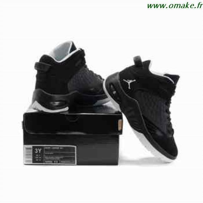 big sale 73fe3 a4330 Les Nike Air Jordan 13 Blanc et Noir Femme Chaussures Nouveau style 7vQF323  21549 64508.jpg xey62u basket jordan noir femme 838utj oplm13w